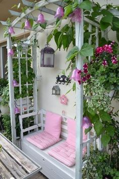 "Terrasse / Balkon 'Balkon ""sickly-sweet""' - Dave On Chemong - - Dekoration - Balcony Furniture Design Backyard Garden Landscape, Terrace Garden, Backyard Landscaping, Balcony Gardening, Big Garden, Balcony Furniture, Garden Furniture, Outdoor Furniture, Balcony Design"