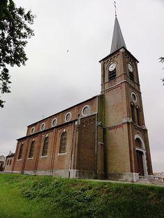 Église Saint-Médard .  Ferrière la Petite. Nord