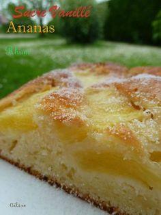 un gâteau délicieux avec de l'ananas