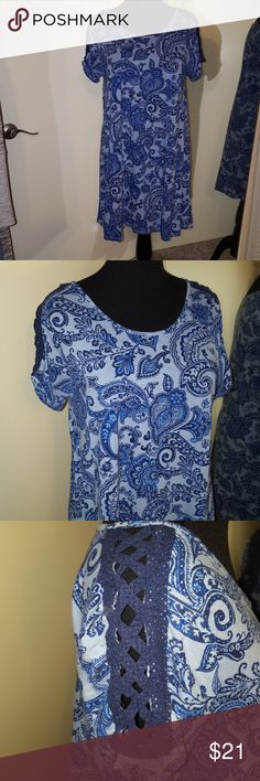 """Blue pattern tshirt dress! Host Pick! 💖💖💖 Handkerchief pattern. Pretty and comfy, great with boots!Fun navy lace strip on sleeve.  Armpit to armpit 19.5"""" Length 35"""" new directions Dresses Midi"""