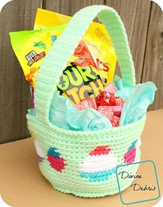 FREE - CROCHET - Tapestry Easter Basket ~ intermediate level ~ finished size (sides), (handles pulled up); Holiday Crochet Patterns, Crochet Basket Pattern, Crochet Baskets, Crochet Bags, Diy Crafts Crochet, Crochet Ideas, Crochet Projects, Easter Traditions, Easter Candy