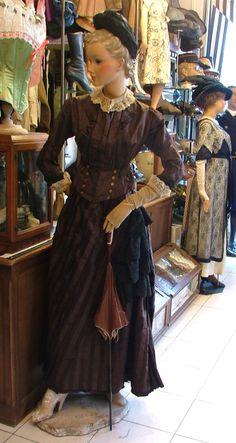 Robe vers 1885
