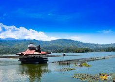 Floating Restaurant of Punta Isla Lake Sebu, South Cotabato, Philippines Floating Restaurant, Philippines, Travel Destinations, Mountains, Nature, Road Trip Destinations, Naturaleza, Destinations, Nature Illustration