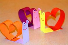 Valentine crafts for kids. Snail for Valentines Day., Show Your Crafts and DIY Projects. Kinder Valentines, Bear Valentines, Valentine Crafts For Kids, Saint Valentine, Crafts For Kids To Make, Crafts For Teens, Happy Valentines Day, Art For Kids, Diy Valentine