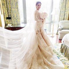 Pin for Later: Milliardäre, echte Prinzessinnen, Blogger und Blair Waldorf haben in Kleidern von diesem Designer geheiratet Hochzeitskleider von Elie Saab Braut: Sahar Sanjar