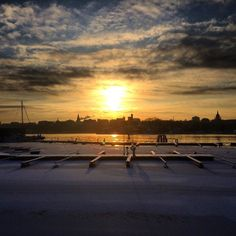 #camperonline #sunset #sunset_madness #stockholm #visitstockholm #sweden #ig_sweden #ig_sweden_winter #january #winter #ice #januaryphotochallenge #sea #ice #nortrip #igscandinavia #follow #clouds #nature #naturelovers #nature_perfection #landscape #landscape_lovers #sverige #igfriends #ig_worldclub #holiday by camperonline
