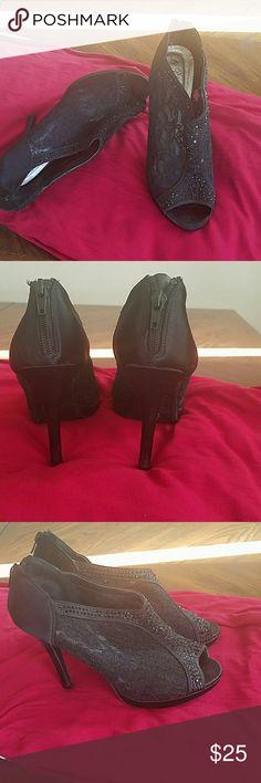 Black lace shoe Open toe, lace, back zipper, comfy. De Blossom collection   Shoes Heels