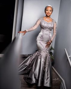 African Wedding Attire, African Attire, African Weddings, African Fashion Skirts, African Wear Dresses, Dinner Gowns, Evening Gowns, Nigerian Dress Styles, Plus Size Fashion For Women