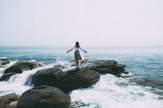 """W tym krótkim nagraniu pokażę Ci proste i bardzo skuteczne ćwiczenie oddechowe, które pomoże Ci nieco bardziej zrelaksować się i odpuścić… To ćwiczenie oddechowe odmieni Twój dzień Nie jest to technika typu """"zrób i zapomnij"""". Najlepiej ocenić rezultaty po dniu, kilku dniach stosowania. Pomaga ona na bieżąco zrzucać z siebie nadmiary energii i niewyrażone emocje. [...] Artykuł 👍 Ćwiczenie oddechowe — odpuść napięcia i zrelaksuj się 🍀 [5 min] pochodzi z serwisu Jak medytować - jak zacząć m Traveling Alone Quotes, Travel Alone, Thought Catalog, Gap Year, Travel Articles, Fun At Work, Norfolk, Travel Quotes, Independence Day"""