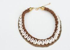 Collier de coquillages cauris Gypsy par Niniquedesigns sur Etsy, $38.00