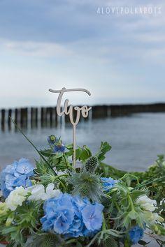 Wooden Wedding Table Number #weddingideas #wedding #centrepices #weddingdetails #wood #wooden #table #weddingtable #rustic #beach #sea #weddingtheme