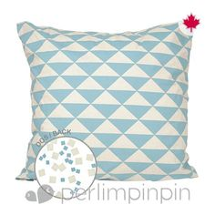 From our latest mix'n'match collection, this square pillow is easy to coordinate with any of our bedding sets. For the highest level of coziness in baby's room, pair it with our brand new ottoman. Guaranteed comfort! Expect from 3 to 4 weeks for delivery