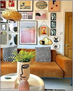 If you are looking for Bohemian Living Room Design Ideas, You come to the right place. Below are the Bohemian Living Room Design Ideas. Boho Living Room Decor, Eclectic Living Room, Eclectic Decor, Home Living Room, Living Room Designs, Living Spaces, Bohemian Living, Eclectic Gallery Wall, Eclectic Artwork