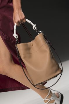 Boss at New York Fashion Week Spring 2019 - Details Runway Photos, a cool nude beige bucket bag with white knotted handle, New York Fashion, Fashion Week, Fashion Bags, Trendy Fashion, Spring Fashion, Fashion Trends, Cute Handbags, Purses And Handbags, Cheap Handbags