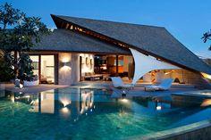 Casa tejado inclinado
