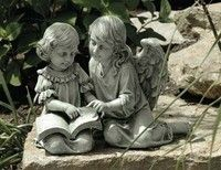 Statue of two girls reading