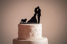 Couple in Love, Couple Kissing with English Bulldog Wedding Cake Topper