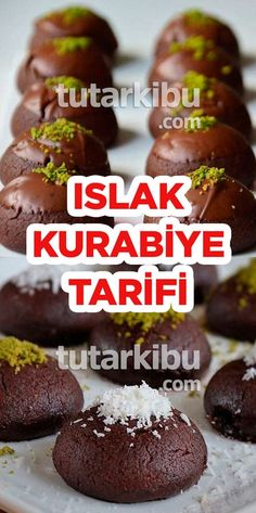 Islak Kurabiye Tarifi - - galletas - Las recetas más prácticas y fáciles Easy Cake Recipes, Cookie Recipes, Dessert Recipes, Biscuits, Beef And Potatoes, Turkish Recipes, Cheesecake Recipes, Food And Drink, Cookies