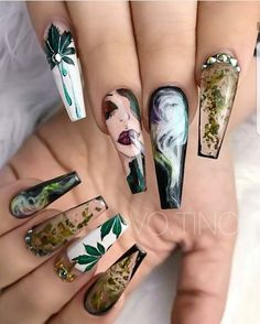 Gorgeous Nail Arts for Slay Queens and Celebrities Hello,Today we bring to you 'Gorgeous Nail Arts for Slay Queens and Celebrities'. These Nail arts are the best so far in the fashion world and are particularly meant for Slay queens and Celebrities. Dope Nails, Crazy Nails, Bling Nails, Fun Nails, Cute Acrylic Nails, Acrylic Nail Designs, Nail Art Designs, Nails Design, Crazy Nail Designs