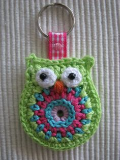 crochet owl key chain by GeKleurdeDraadjes on Etsy, €3.75