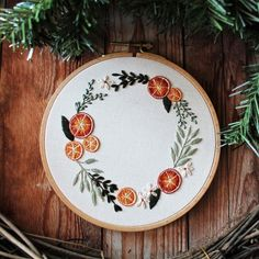Herb Embroidery, Creative Embroidery, Embroidery Hoop Art, Embroidery Patterns, Homemade Christmas Gifts, Best Christmas Gifts, Christmas Stuff, Christmas Lights, Holiday Gifts