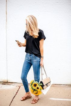 **** Black and brown combo! Weekend style. Black tee, medium wash skinny jeans and brown sandals. Relaxed and casual. Stitch Fix Fall, Stitch Fix Spring Stitch Fix Summer 2016 2017. Stitch Fix Fall Spring fashion. #StitchFix #Affiliate #StitchFixInfluencer