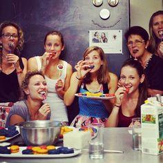 am 9.6 und 10.6 finden unsere nächsten Backkurse statt! einmal Veganes Backen und einmal Brot, Bagels &Co. Mehr Infos auf unserem Blog www.diebackladies.at @diebackladies #backkurse #cookingcourse #veggies #vegan #vienna #foodies #austrianblogger #sweeties #brot #bagel #bread Cereal, Sweets, Vegan, Breakfast, Blog, Brioche, Bread Baking, Morning Coffee, Goodies