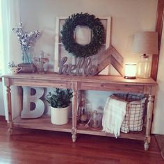 23 Rustic Farmhouse Decor Ideas Are you a farmhouse style lover? If so these 23 Rustic Farmhouse Decor Ideas will make your day! Check these out for lots of Inspiration! Decor, House Design, Farmhouse Decor Living Room, Farm House Living Room, Interior, Farmhouse Decor, Entryway Decor, Home Decor, Rustic House