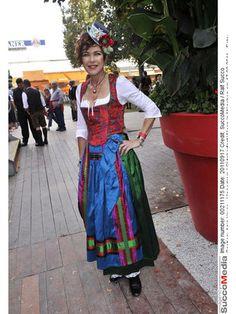 Anja Kruse in Michaela Keune - Oktoberfest 2011