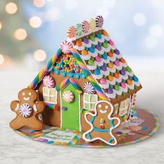 Adorable Ginger Bread House Ideas And Recipe Let's Have A Good Holiday Gingerbread house is one of the best desserts for Christmas! The lovely and delicate gingerbread house is the children's favorite Graham Cracker Gingerbread House, Gingerbread House Designs, Gingerbread House Parties, Gingerbread Decorations, Royal Icing Decorations, Christmas Gingerbread House, Christmas Cookies, Gingerbread Houses, Ginger Bread House Decorations