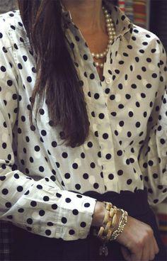 Жемчуг и рубашка в горох