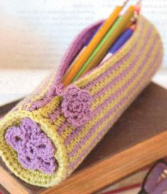 PENCIL-CASE-CROCHET-PATTERN