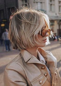 Women short hair 551902129336611809 - Modern-Blonde-Bob-Hair Latest Short Haircuts for Women 2019 Source by Stylish Short Haircuts, Popular Short Haircuts, Short Hair Cuts For Women, Short Hairstyles For Women, Blonde Bob Hairstyles, Cool Hairstyles, Pixie Haircuts, My Hairstyle, Fine Hair