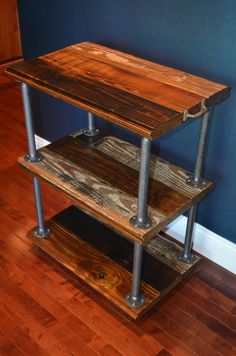 Barn style wood and metal shelf.Mom and Dad have the barn wood. Pipe Furniture, Coaster Furniture, Pallet Furniture, Industrial Furniture, Furniture Projects, Home Projects, Industrial Pipe, Industrial Office, Vintage Industrial