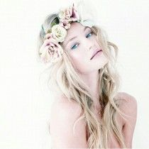 wedding photo - Loose Curly Hairstyle with Flower Crown ♥ Simple and Natural Wedding Hairstyle