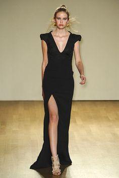 love this black dress