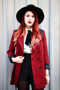 From Le Happy. The best fashion blog out there. Lua is so beautiful and has the most fantastic outfits seen. Big fan.