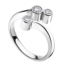 Georg Jensen ring with 3 diamonds. Lovely simple contemporary setting.