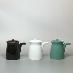 Stylish soy sauce dispensers from Hakusan Porcelain Co. Japanese Ceramics, Pottery Ideas, Sauce Bottle, Soy Sauce, Porcelain, Stylish, Modern, Instagram Posts, Porcelain Ceramics