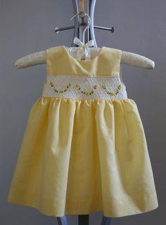 Baby Frock Pattern, Baby Dress Patterns, Baby Clothes Patterns, Frock Patterns, Clothing Patterns, Baby Girl White Dress, Little Girl Dresses, Girls Dresses, Vintage Baby Dresses