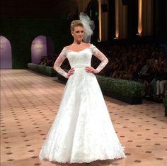 Vestido de noiva com mangas, renda e ombre coleção J'adore 2015 Nova Noiva.