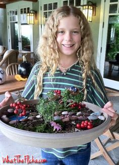 DIY: Fairy Gardens or create an herb garden! I think Lindsey would love to do this! Mini Fairy Garden, Gnome Garden, Fairy Gardens, Herb Garden, Crafts For Kids, Diy Crafts, Kids Corner, Fairy Land, Fairy Houses