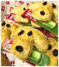 """Hundehoveder"", uddeling til fødselsdag i institutionen Kids Meals, Birthday Parties, Food And Drink, Chicken, Party, Desserts, Food Ideas, Cooking, Creative"