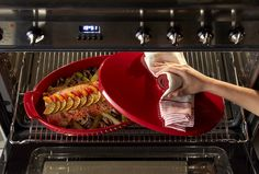 Discover the 2016 Emile Henry innovation: with the Emile Henry papillote steamer, you will be able to do a healthy steam cooking. As a result you will have a creamy fish that melts in the mouth without smell. And you will avoid to overcook ! Find yours : http://bit.ly/Emile-Henry-Stores #Fish #Papillote #Steamer #Health #Cooking #French #EmileHenry
