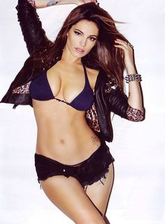 Kelly Brook espectacular en su calendario para 2013 | La BiblioTeta