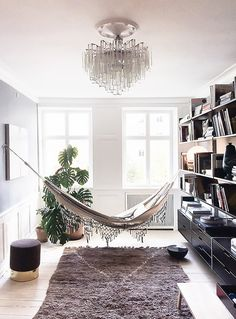 54 reading room decor inspiration to make you cozy Turbulence Deco, Guest Bed, Reading Room, Home Decor Trends, My New Room, Home And Living, Living Spaces, Sweet Home, House Design
