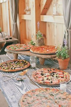 Everyone loves food. Treat your wedding guests to a fabulous pizza bar and they'll walk away singing your praises. #food #pizza #wedding #fun