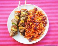BROCHETTA DE CERDO CON PIÑA y ensalada de maíz, zanahoria y remolacha