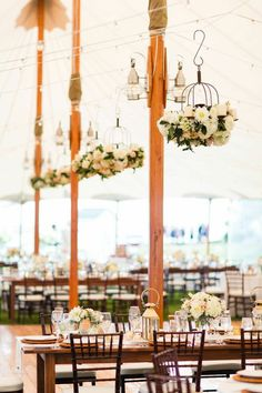 Romantic Southport Wedding at the Newagen Seaside Inn - the wedding reception is gorgeous. Photo: Jonathan Young Weddings