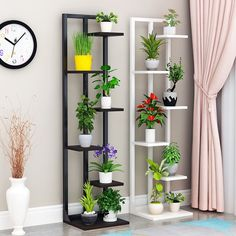 Phenomenal 12 Interesting Flower Shelf Design Ideas As Your Home Decoration To have a flower shelf with attractive characters to look elegant and modern can be created quickly. If you have considered making creativity related . Balcony Plants, House Plants Decor, Balcony Flowers, Indoor Flower Pots, Indoor Plants, Indoor Garden, Home Decor Furniture, Diy Home Decor, Diy Plant Stand
